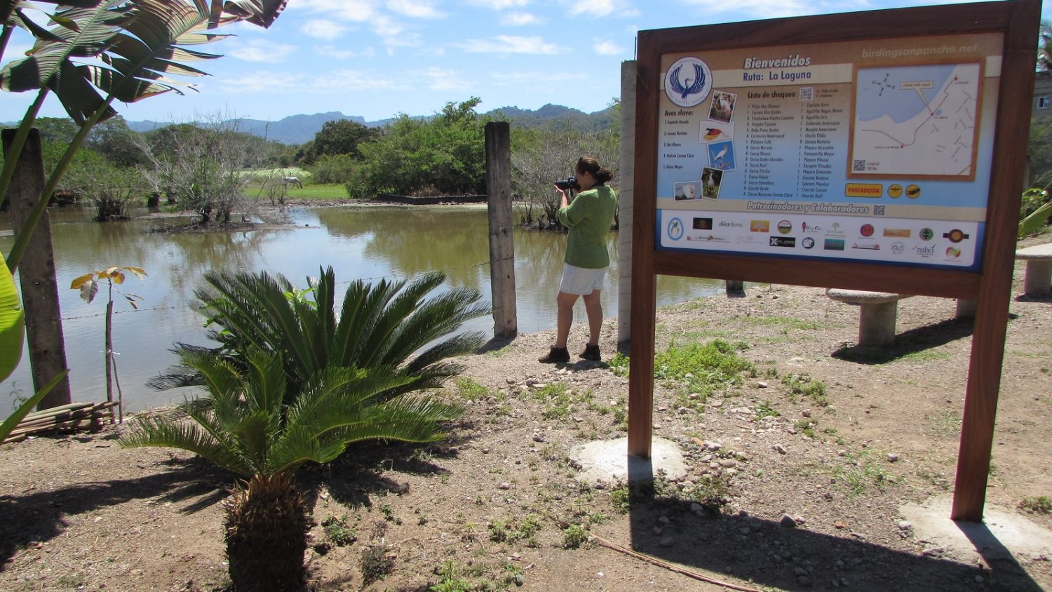 Birdwatching Routes Display New Signage in San Pancho