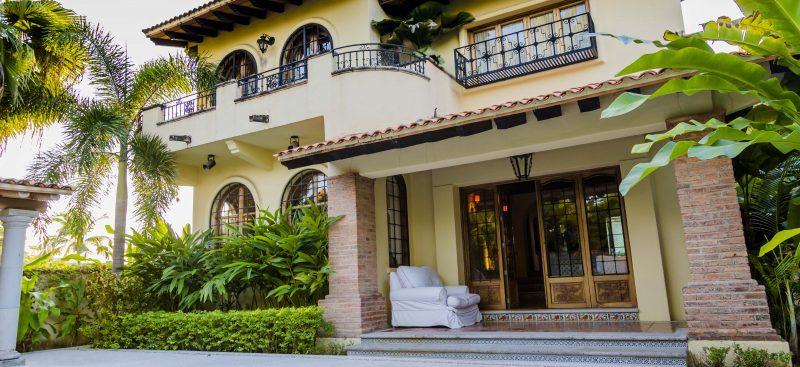 Silva Brisset Realtors Hosts Casa Gaviotas Open House - 2
